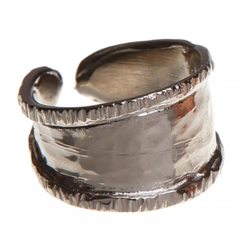 δαχτυλίδι ασημί σφυρήλατο οβάλ μικρό